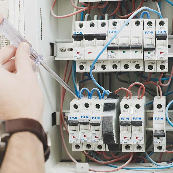 Rénovation et installation électrique à Bayonne